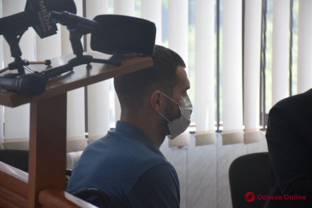 Дело о нападении рэпера на хирурга: судебное заседание перенесли из-за отсутствия подозреваемого