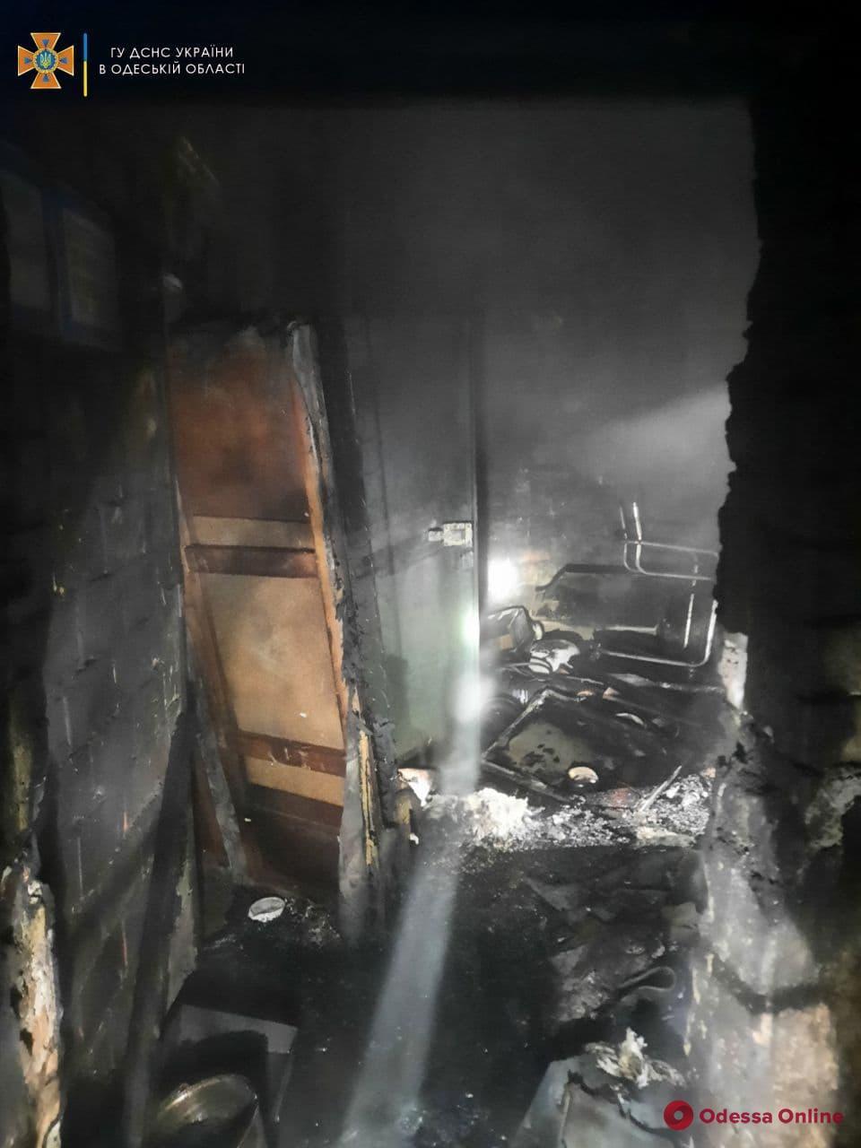 В Одессе спасатели предотвратили взрыв на складе металлолома