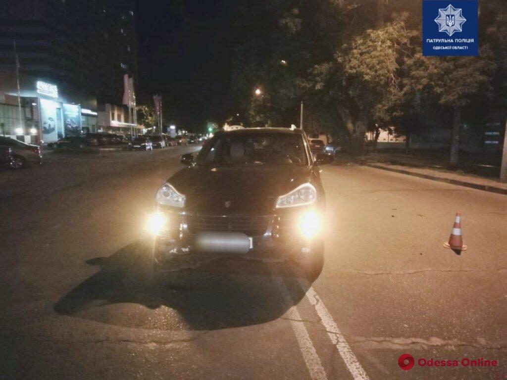 На Таирова произошло ДТП с участием Audi и Porsche