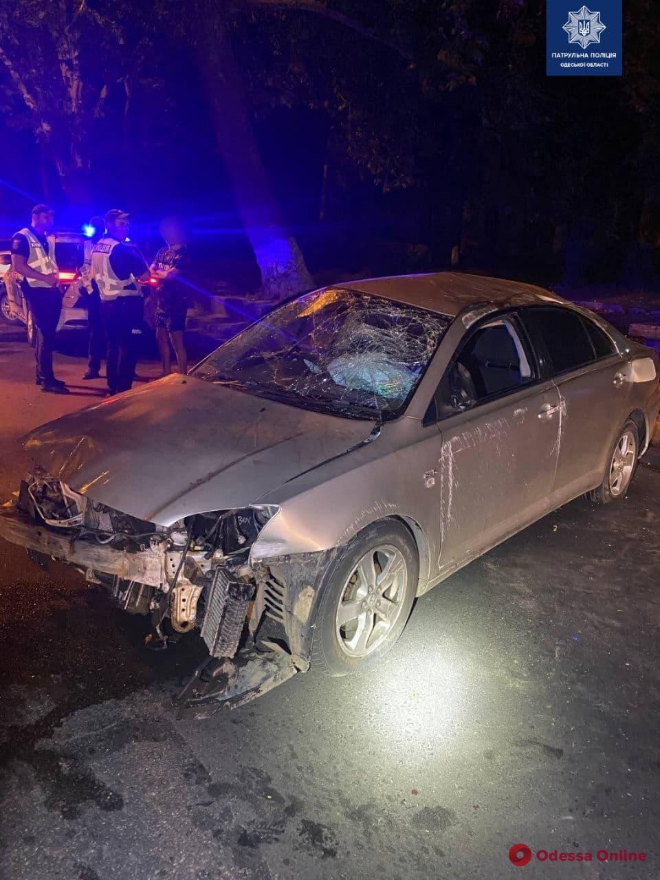 На Пересыпи перевернулся автомобиль – водитель в больнице
