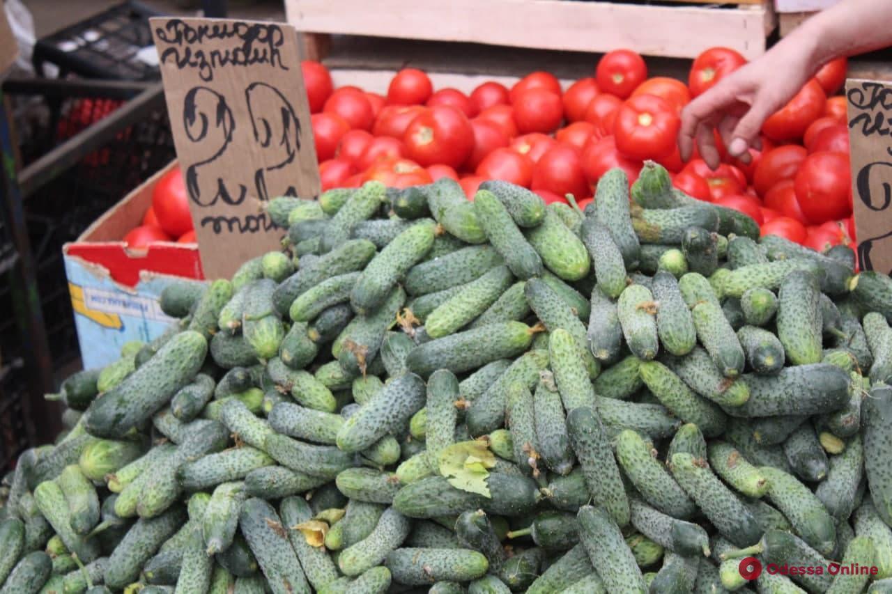 Арбузы, кукуруза и сом: воскресные цены на одесском «Привозе»