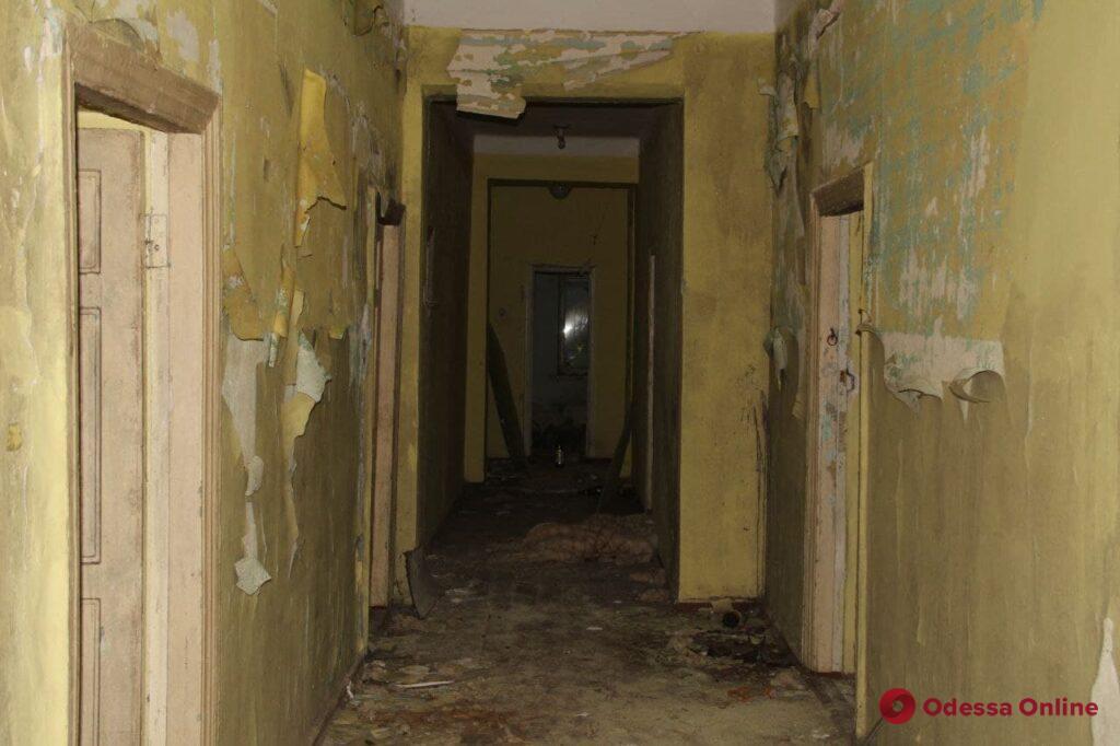 Призрак «Красной гвардии»: бывший детский лагерь в Черноморке превратился в руины (фоторепортаж)