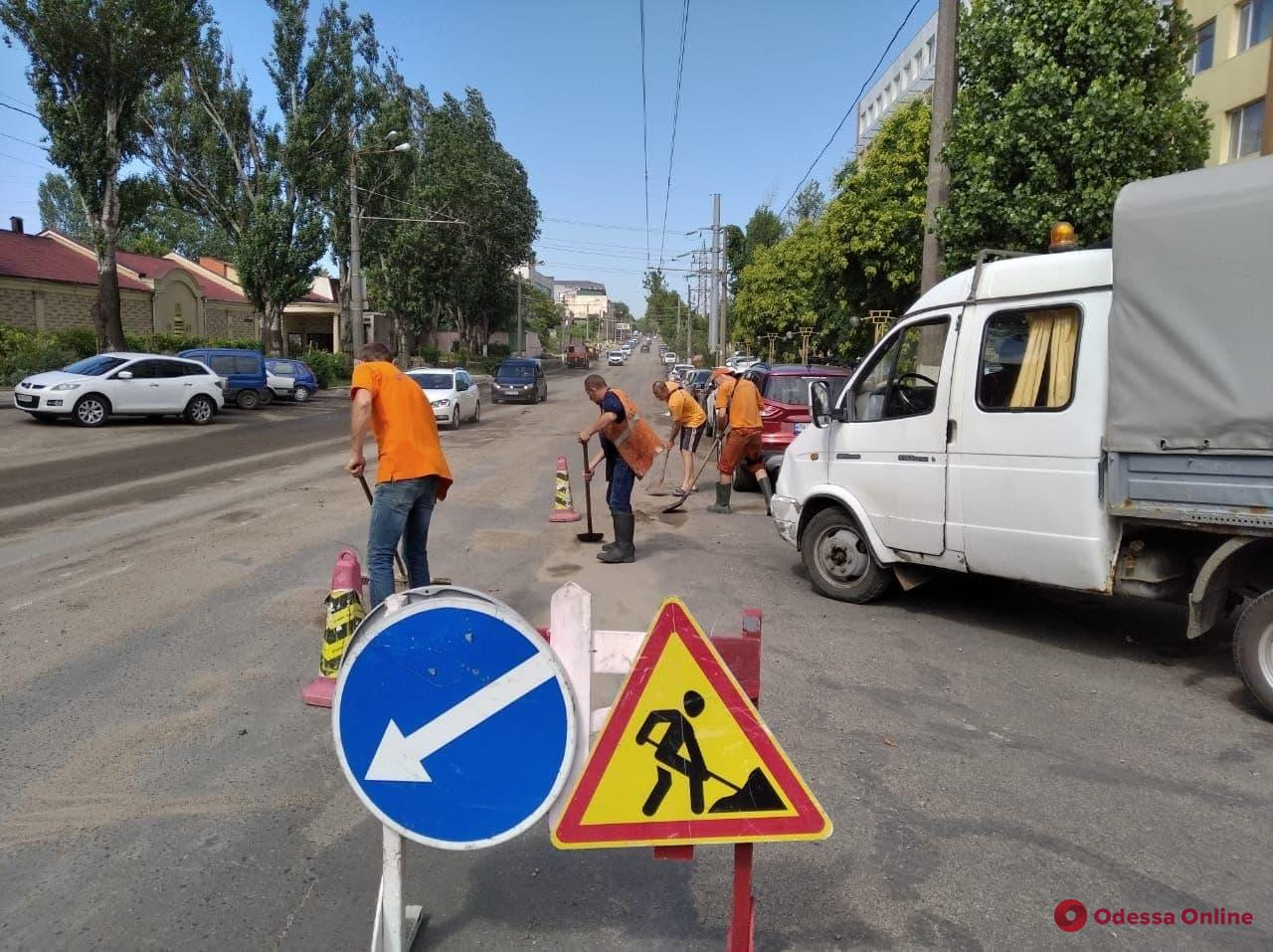 Потоп в Одессе: восстановлено движение на всех магистралях, кроме Атамана Головатого и Черноморского Казачества