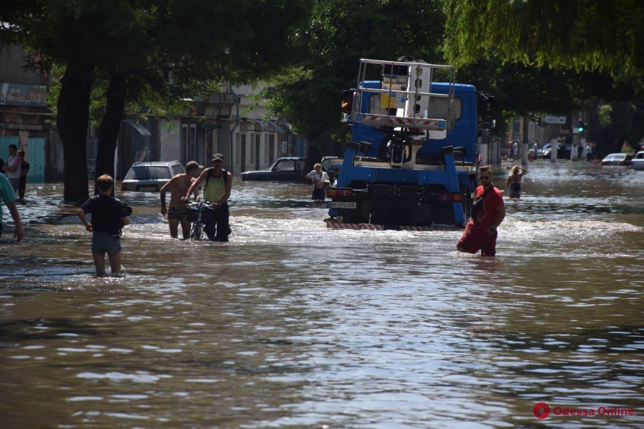 «Это был серьезный вызов»: в мэрии рассказали о борьбе с последствиями катастрофического ливня