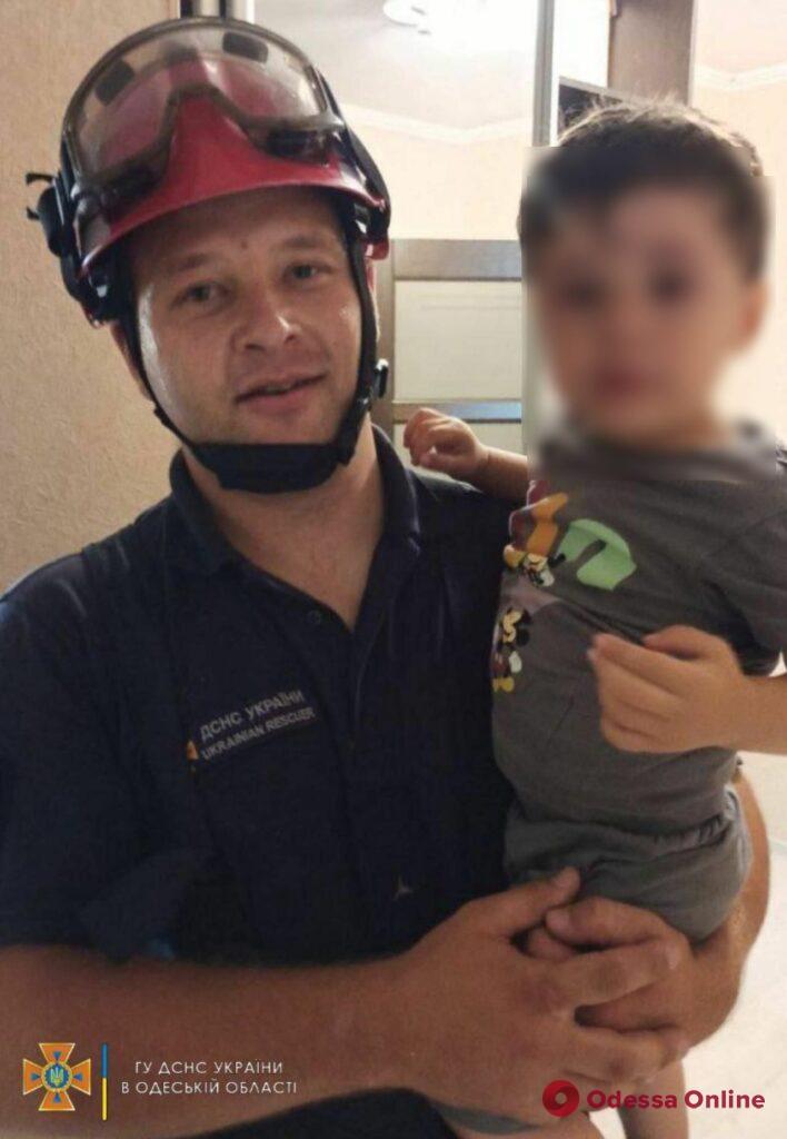 В Белгороде-Днестровском двухлетний мальчик «поставил на уши» няню и спасателей