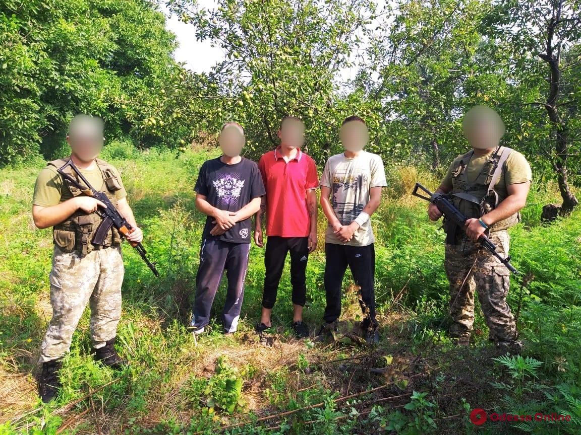 Хотели отдохнуть на море: трое молдаван пытались незаконно попасть в Одессу