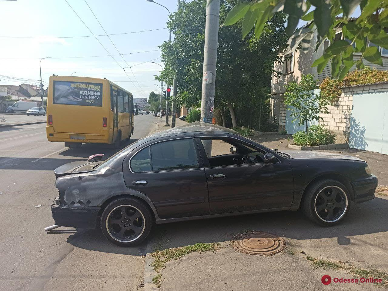 На Святослава Рихтера водитель «Мазды» устроил массовое ДТП (фото)