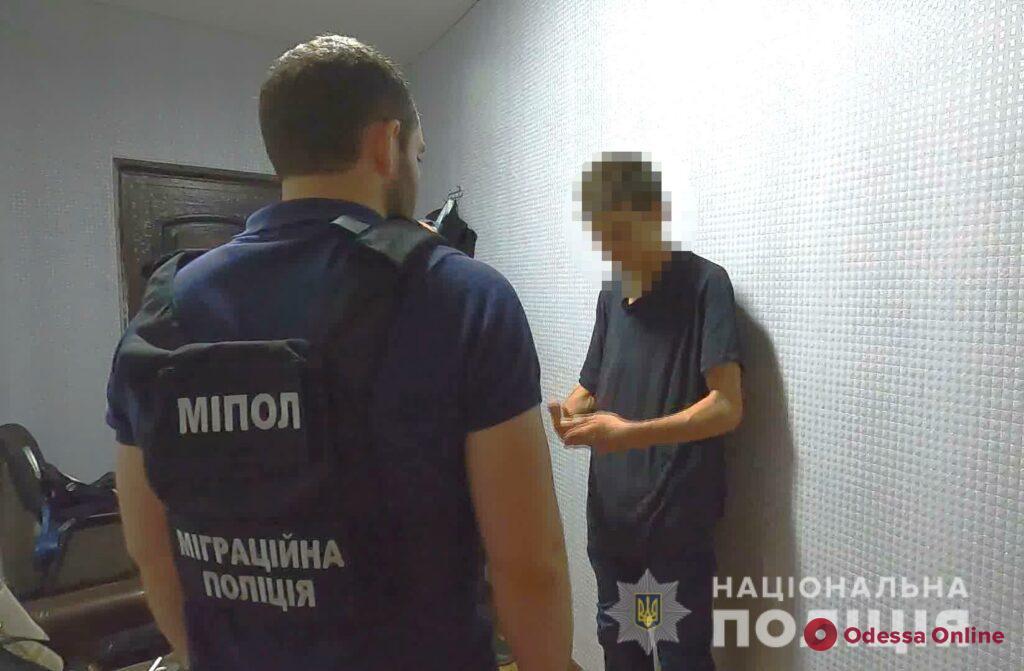 Пообещал купить 6-летней девочке игрушку: в Одессе задержали педофила