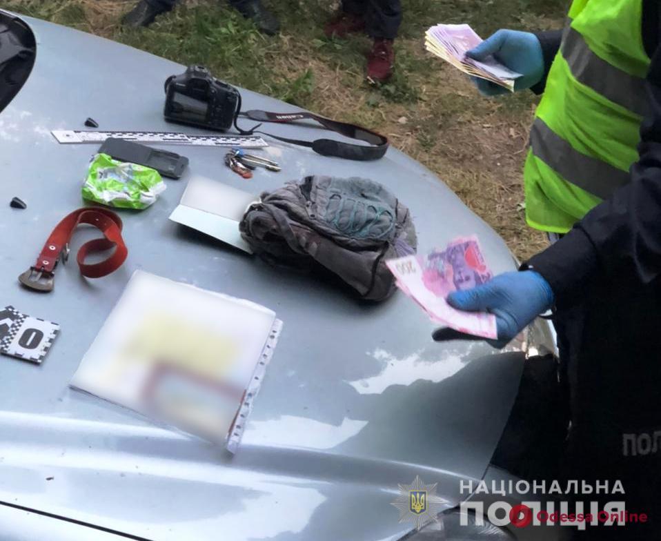 За час «обчистили» две машины: в Одессе задержали дуэт иностранных автоворов