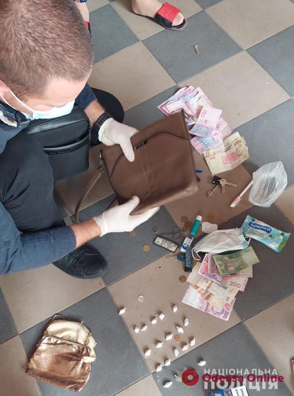 На юге Одесской области арестовали торговку метадоном (фото, видео)