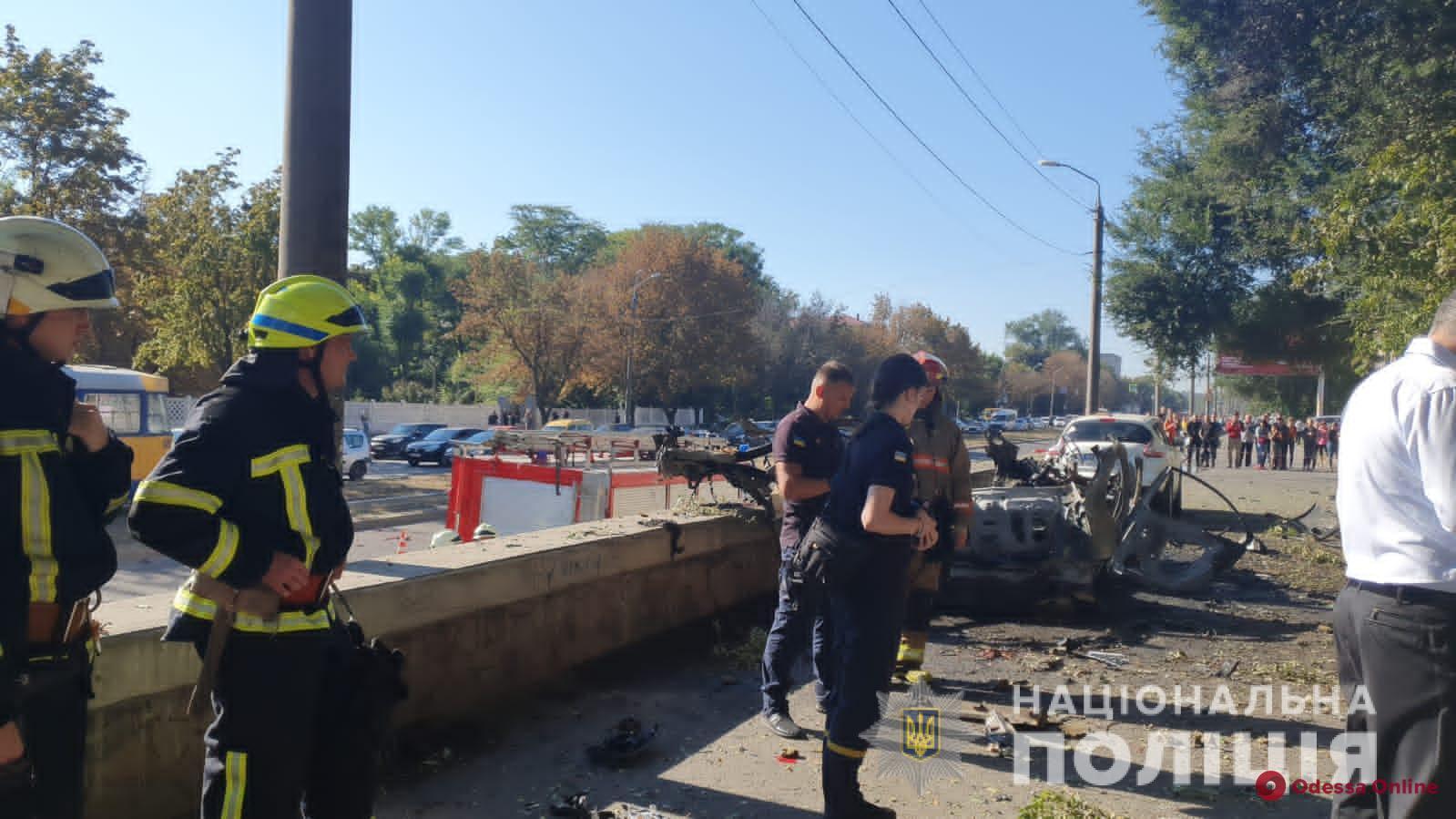 Теракт: в Днепре при взрыве автомобиля погибли глава пресс-службы областной ГСЧС и ветеран АТО