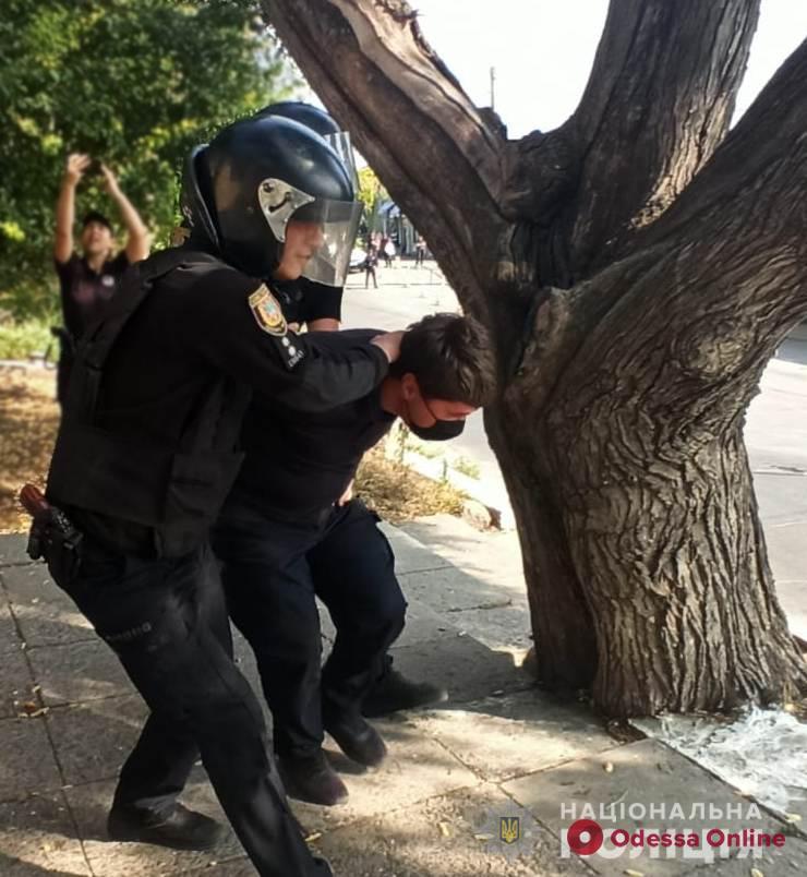 Учебная тревога: одесские полицейские задержали «грабителей» и освободили «заложника» (фото, видео)