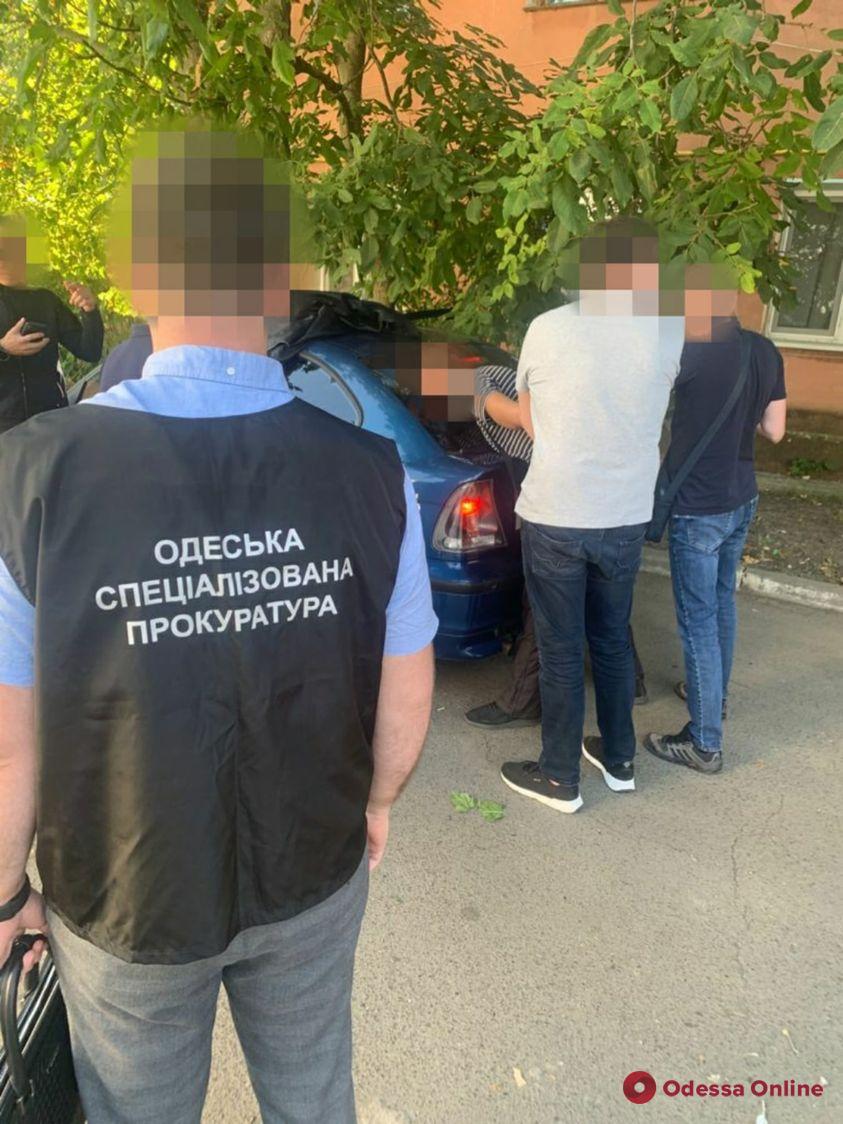 В Одесской области пограничник вымогал взятку за перевозку товаров через границу с Молдовой