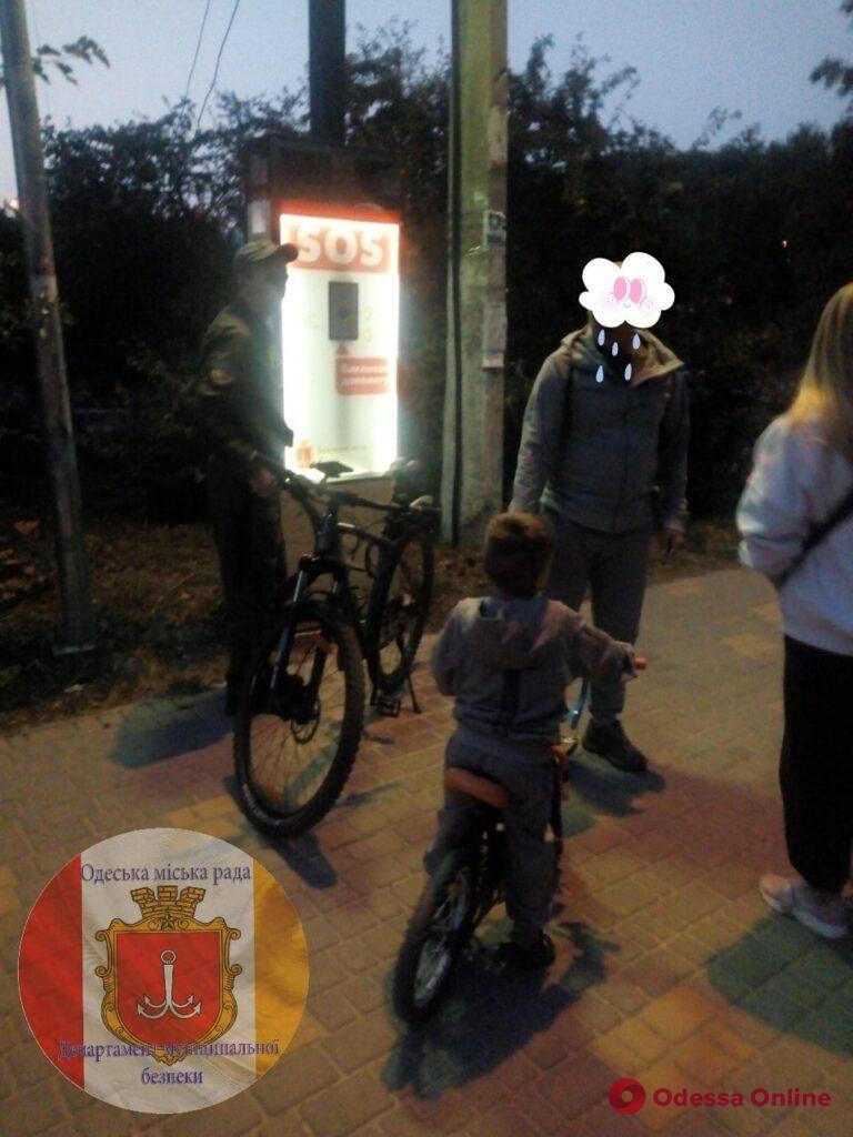 Вечером в парке Победы искали двух потерявшихся 4-летних мальчиков