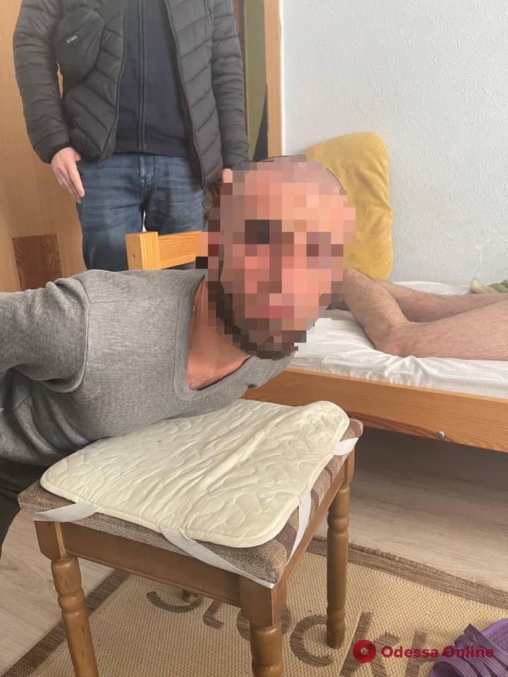 В Одессе будут судить вымогателей, которые похитили юношу и требовали за него миллион долларов (фото)