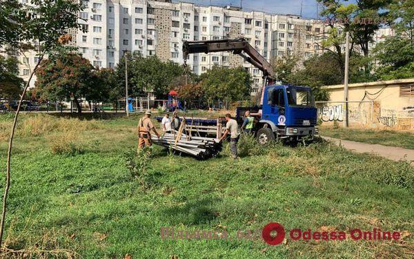 В Одессе ГАСК остановил строительство многоэтажки на футбольном поле