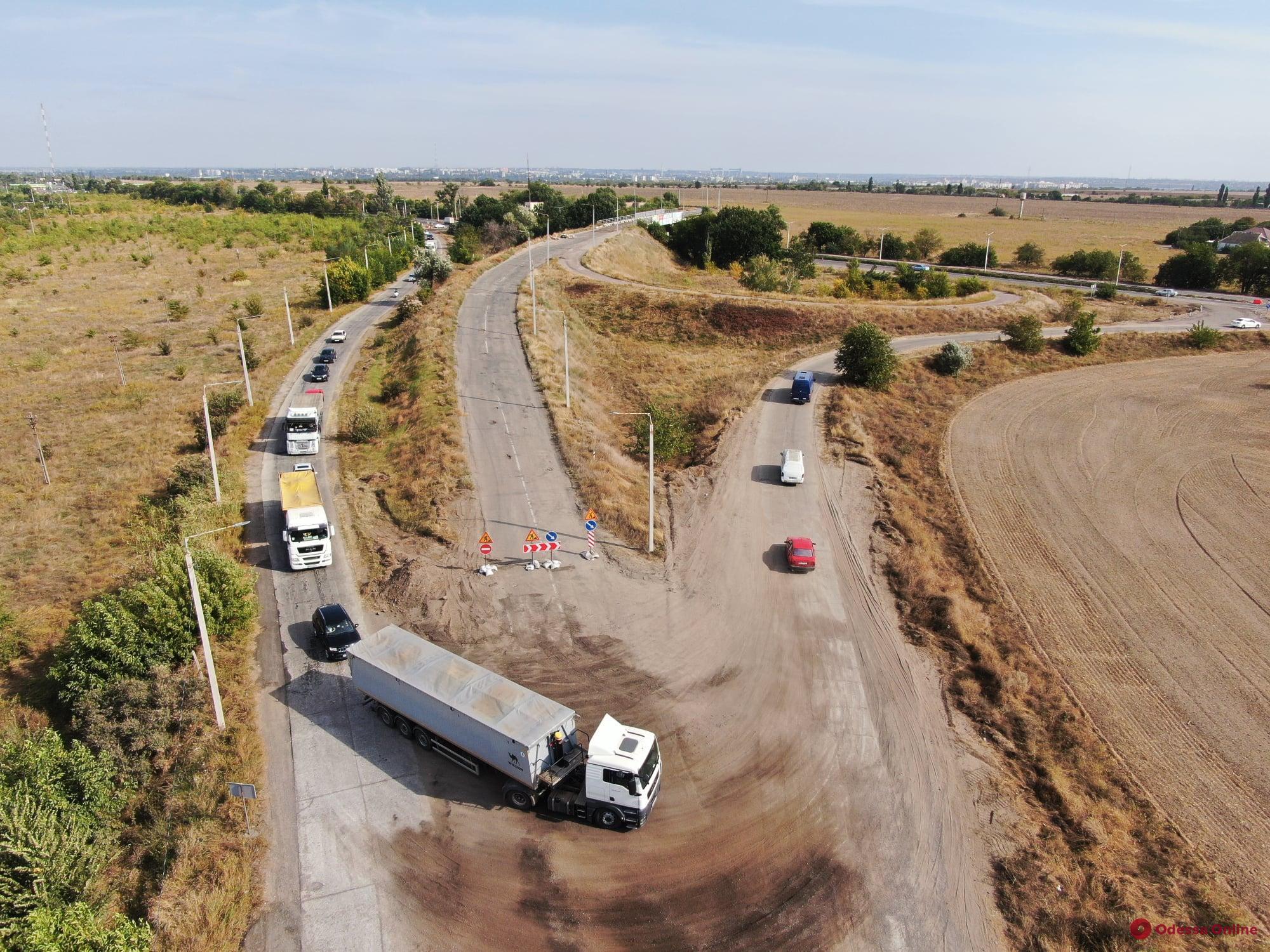 Трасса Одесса-Мелитополь-Новоазовск: возле Николаева начался ремонт 46-летнего моста (фото)
