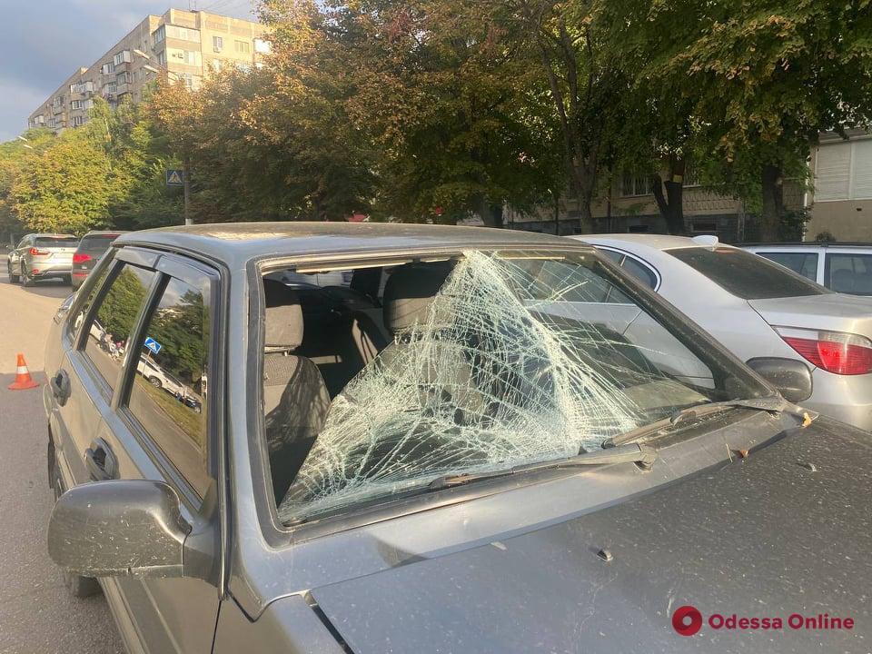 На поселке Котовского автомобиль сбил подростка