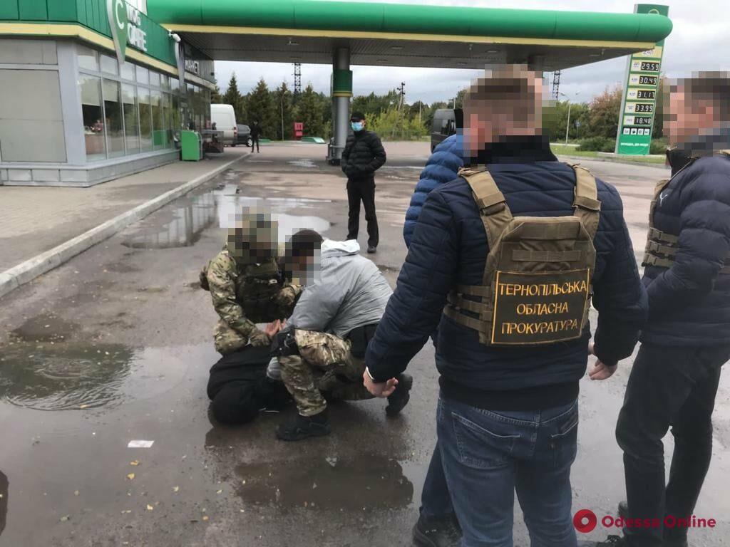В Тернополе задержали группу одесских вымогателей