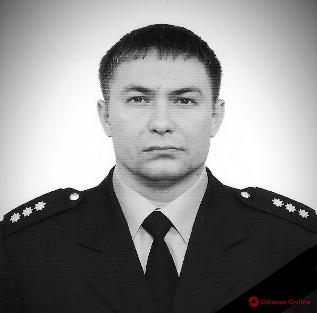 В Одессе от тяжелый травм, полученных в ДТП, скончался полицейский