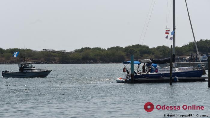 Перевозили нелегалов: в Нидерландах задержали двух украинцев на парусной яхте