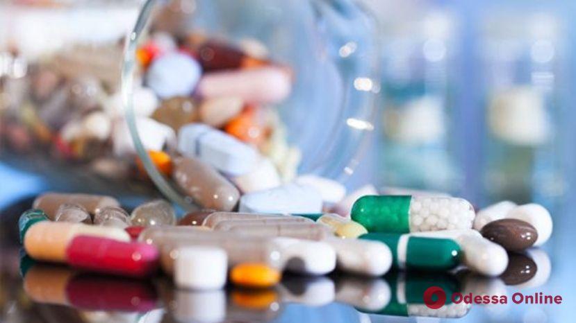Украинцам предлагают испытать на себе препараты от COVID-19