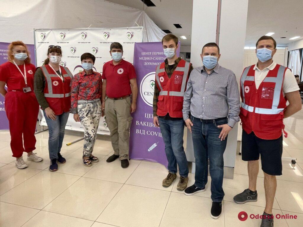 В Одессе от коронавируса привились уже свыше 250 тысяч человек