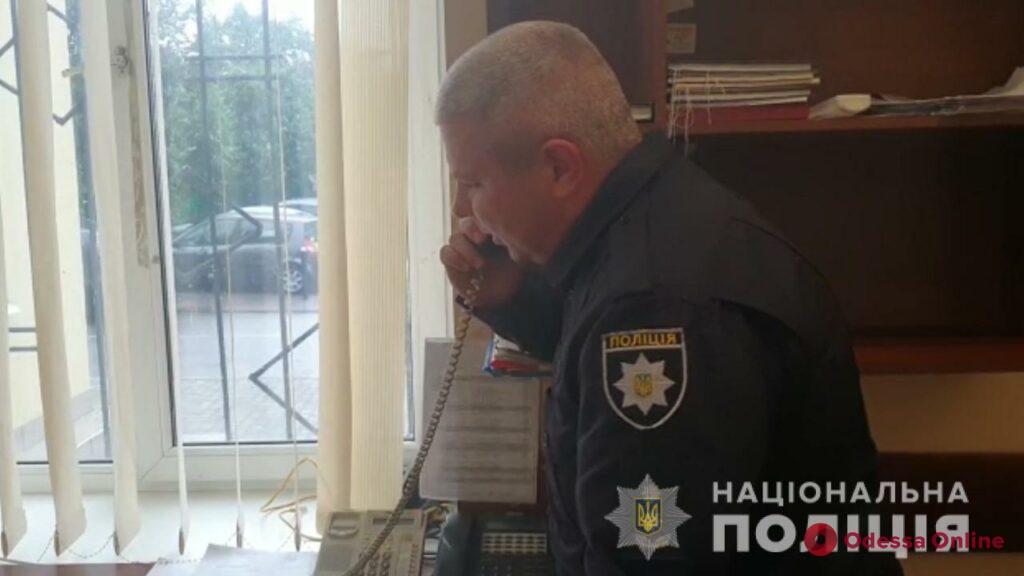 Украли 400 тысяч долларов из авто: одесские полицейские задержали троих кавказцев