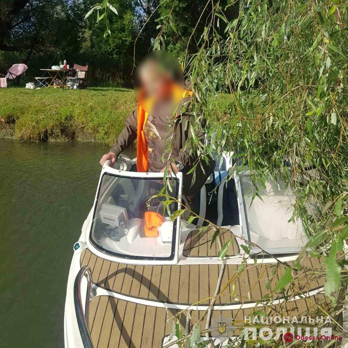 На Днестре водная полиция задержала одессита, который гонял пьяный на лодке