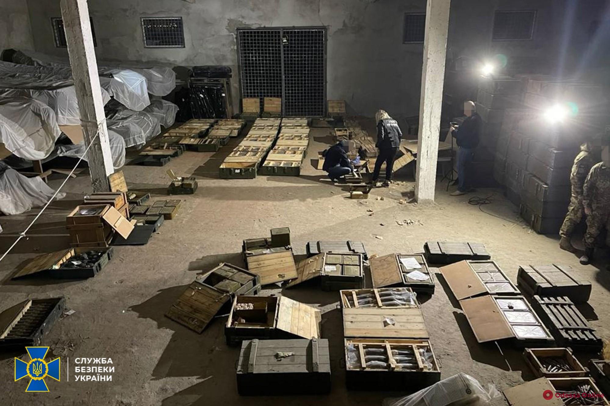 В Николаеве начальник склада ракетно-артиллерийского вооружения устроил масштабную «распродажу» — дельца задержали сотрудники СБУ