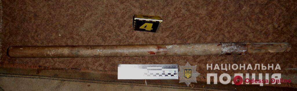 В Белгороде-Днестровском мужчина проломил приятелю голову держаком от лопаты