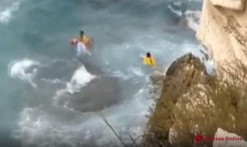 Хотела сделать эффектное фото на скале: в Испании погибла украинская туристка