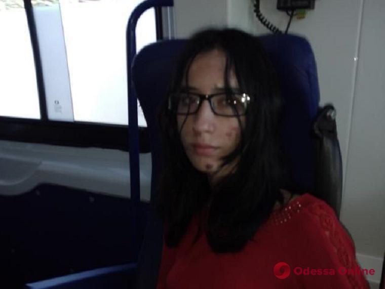 Внимание, розыск: из одесской больницы сбежала 17-летняя девушка (обновлено)