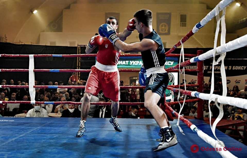 Два одессита представят Украину на чемпионате мира по боксу