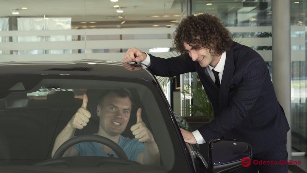 «АТБ заряджає тебе»: победителям вручили десять новых электромобилей и роскошный Porsche Taycan