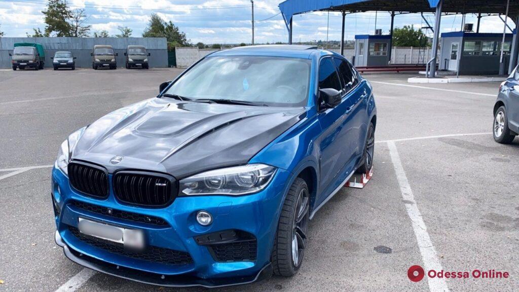 На границе с Молдовой задержали угнанный BMW