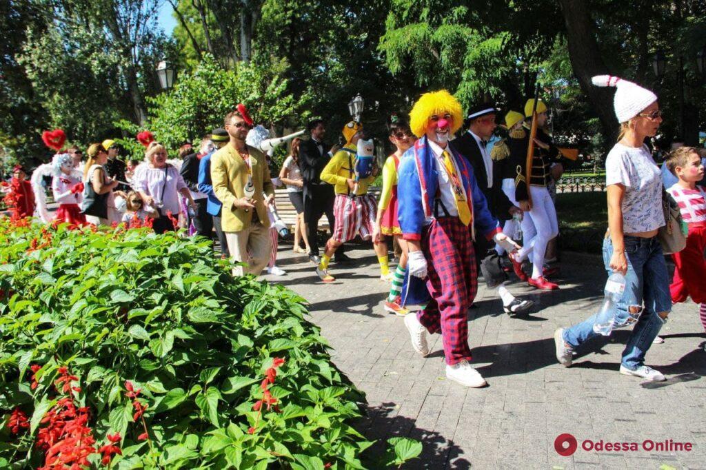 В Одессе прошел яркий парад клоунов (фоторепортаж)