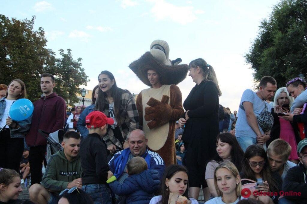День Одессы: на Потемкинской стартовал масштабный гала-концерт (фото)