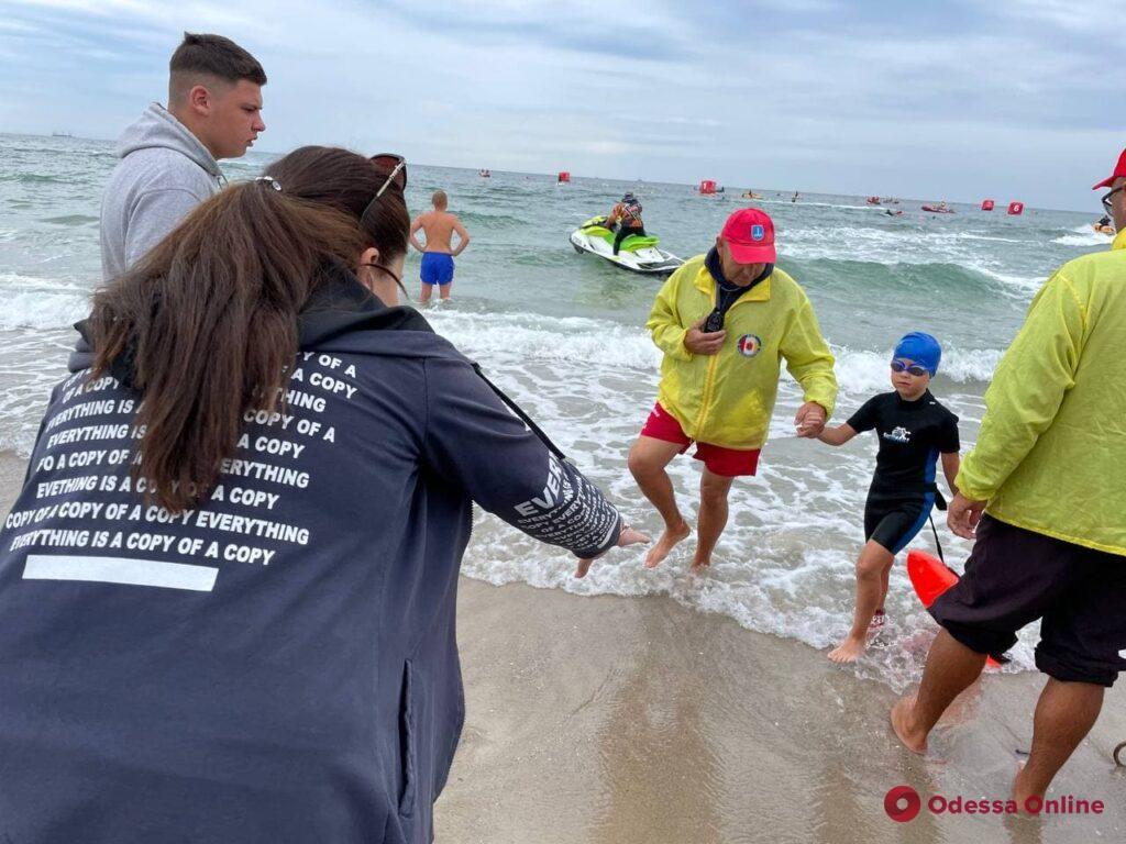 Самые смелые: на Ланжероне прошел детский заплыв состязаний  Oceanman Odesa-2021 (фото, видео)