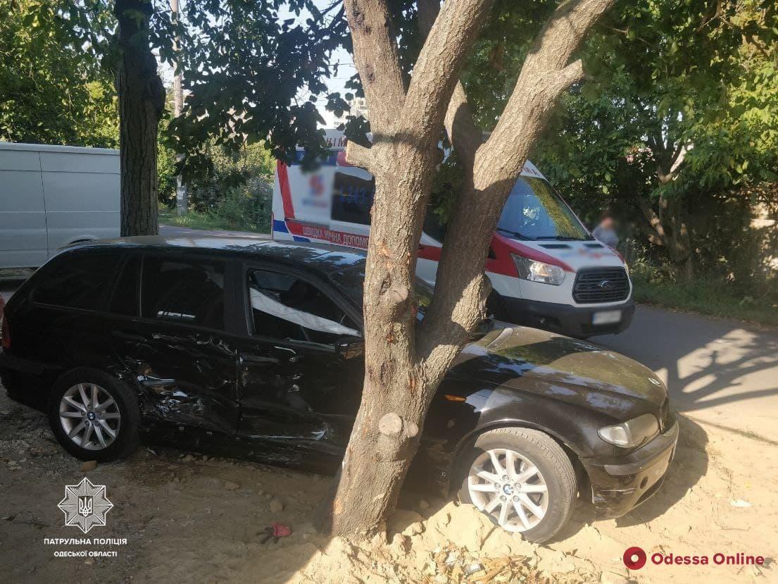 В Одессе «БМВ» после столкновения с «Хондой» сбил пешехода