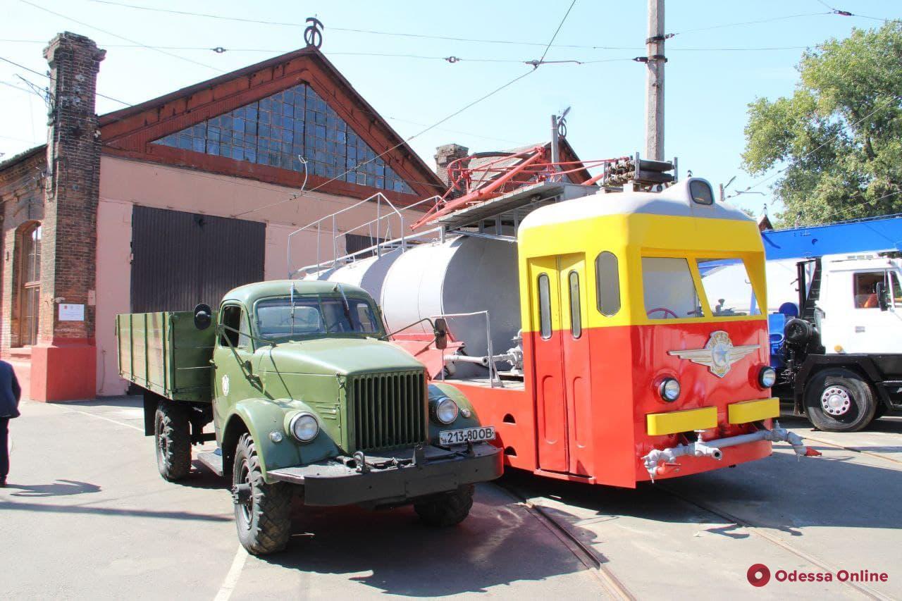 В Одессе презентовали новые «Одиссеи» и электробусы
