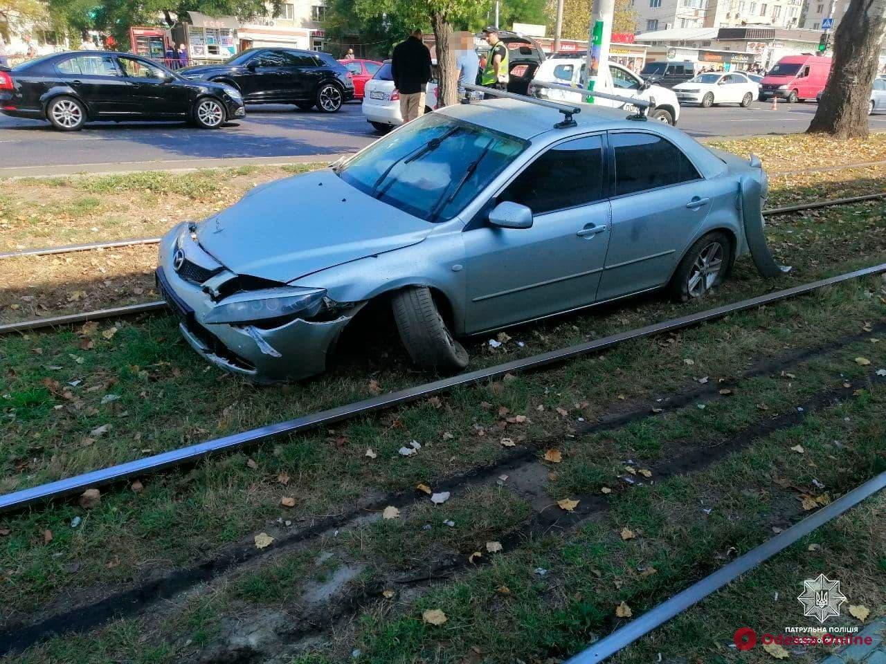 В утреннем ДТП на Николаевской дороге пострадали женщина и двое детей