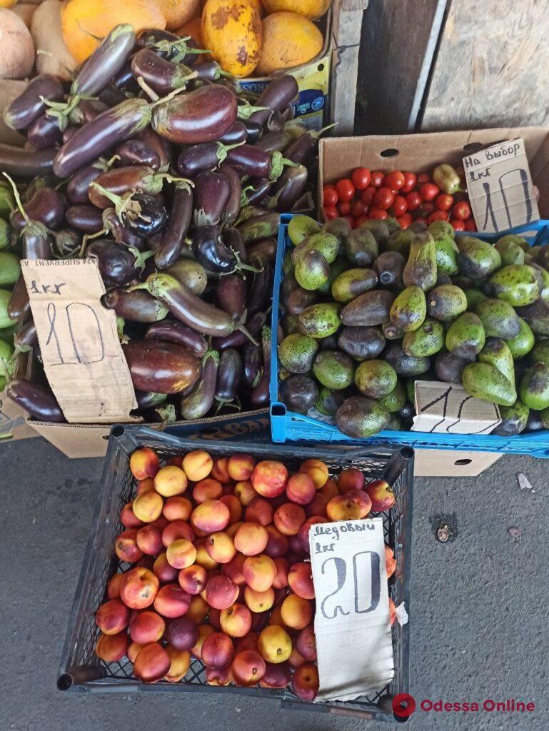 Судак, брынза и персики: воскресные цены на одесском «Привозе»