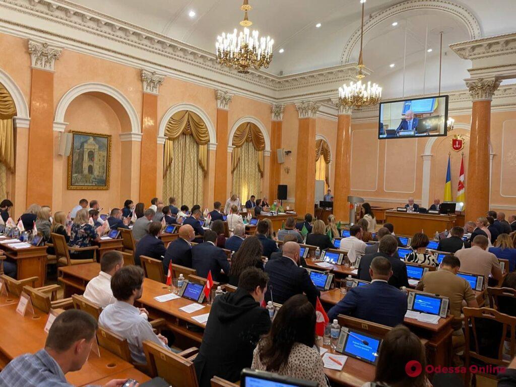Академия наук не хочет передавать помещения сгоревшего дома Асвадурова без компенсации квадратных метров, — мэр Одессы