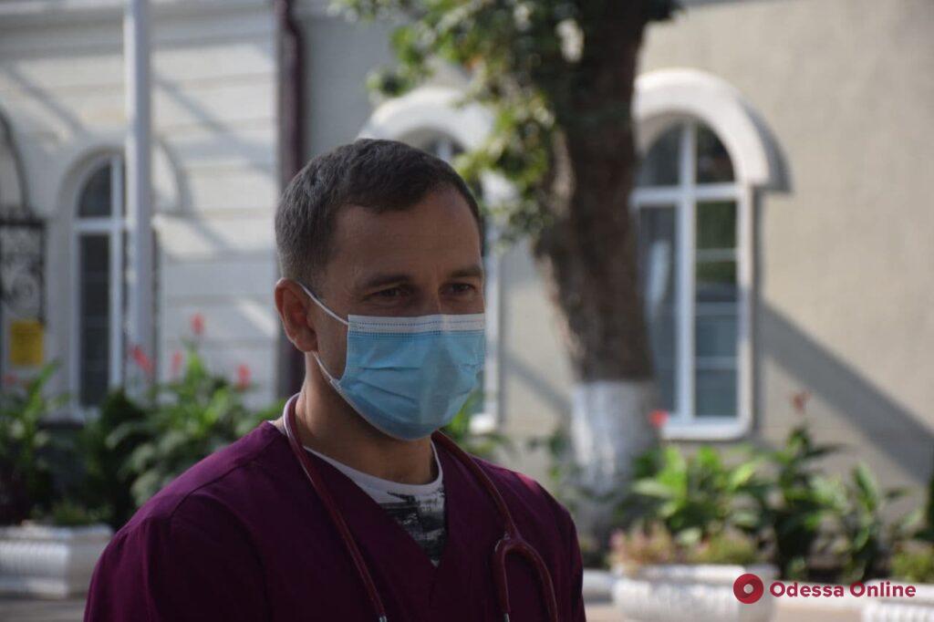 Вспышка COVID-19 в Еврейской больнице: вирус выявлен у пяти человек