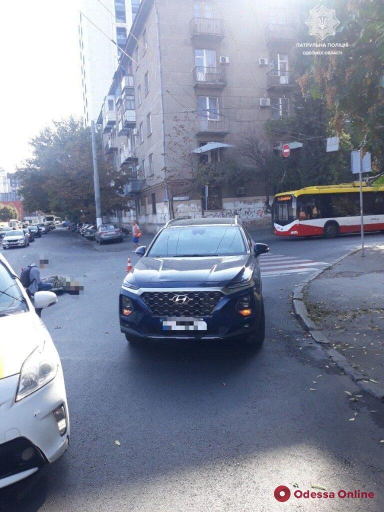 На Мариинской Hyundai сбил женщину на пешеходном переходе
