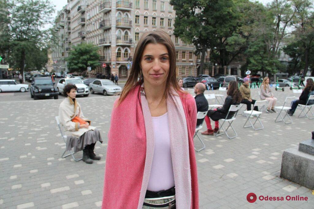 «Гляделки»: в парке Шевченко отметили день зрительного контакта (фото)
