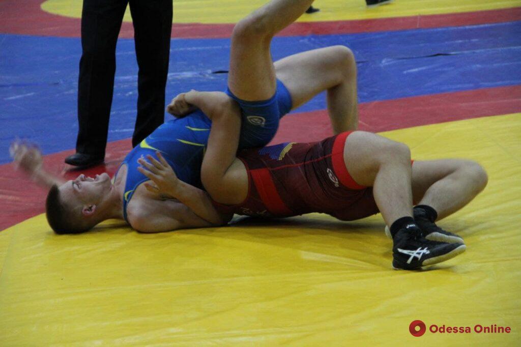 Олимпийский вид спорта: в Одессе стартовал чемпионат Украины по греко-римской борьбе (фоторепортаж)