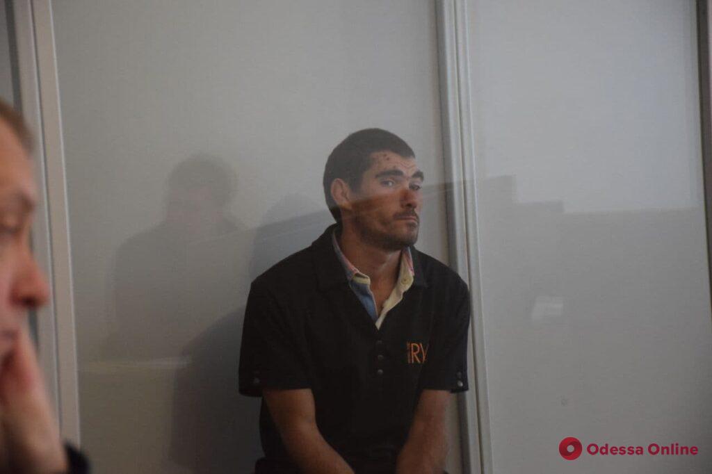 Изнасилование и грабеж: Малиновский райсуд отправил подозреваемого в СИЗО