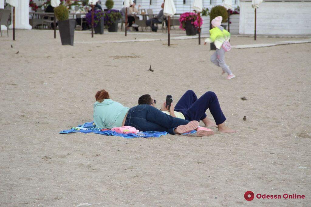 Прощай, бабье лето: пустынные пляжи и хмурое море (фоторепортаж)